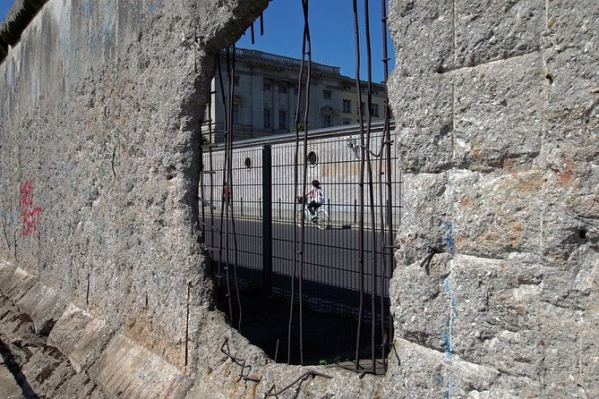 The Fall of the wall: A light for humanity