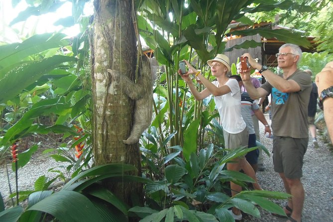 (Nationals and Residents) Entrance tickets Self-guided tour Ecocentro Danaus
