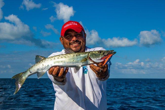 Sportfishing tour: Searching for the Tarpon & Seabass