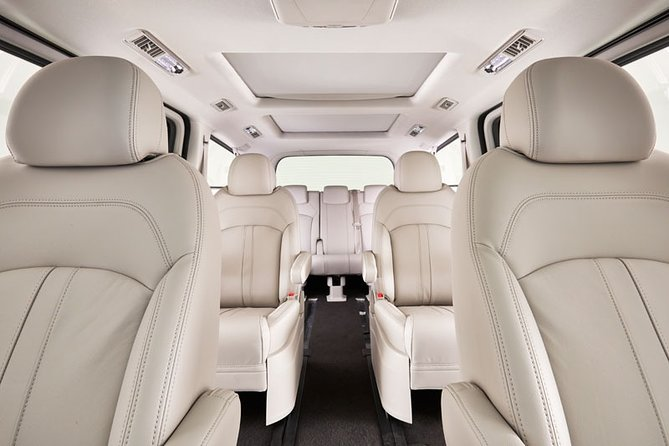 Luxury Van, Private Transfer, Cairns City - Cairns Airport