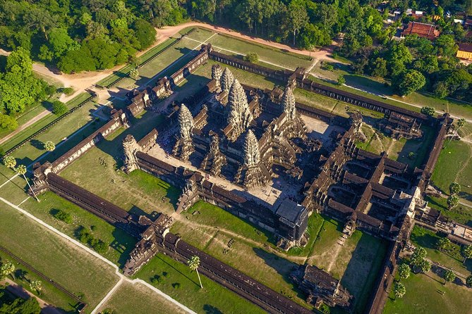 5-day Siem Reap deep into Angkor temples & Floating village