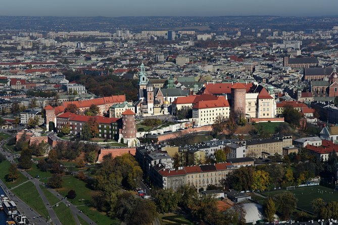 Meet Krakow in 3h! Private tour through ALL historical areas.