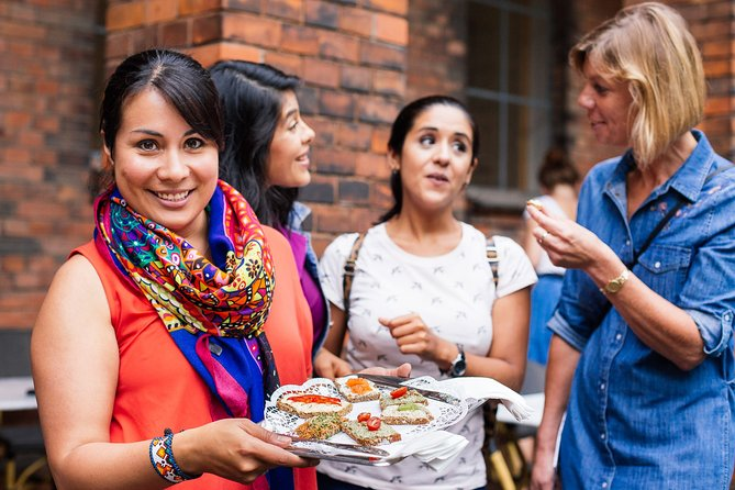 Withlocals Connect: Eat Local Food & Flavour Walk Small Group Tour in Berlin