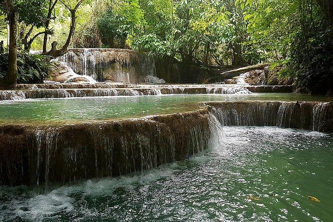 Private Kanching Waterfalls & Batu Caves Tour
