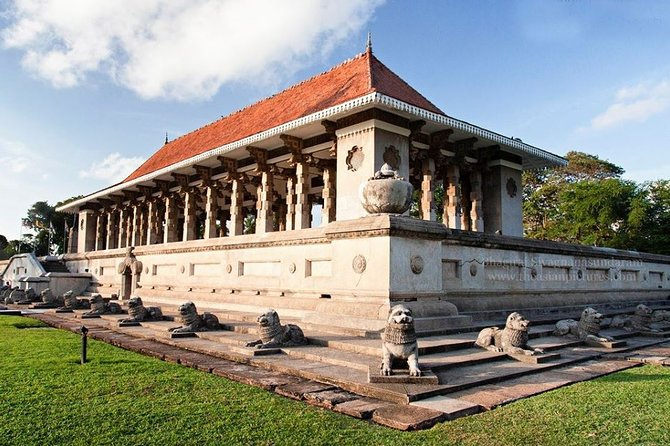 Private Guided Colombo City Tour from Colombo