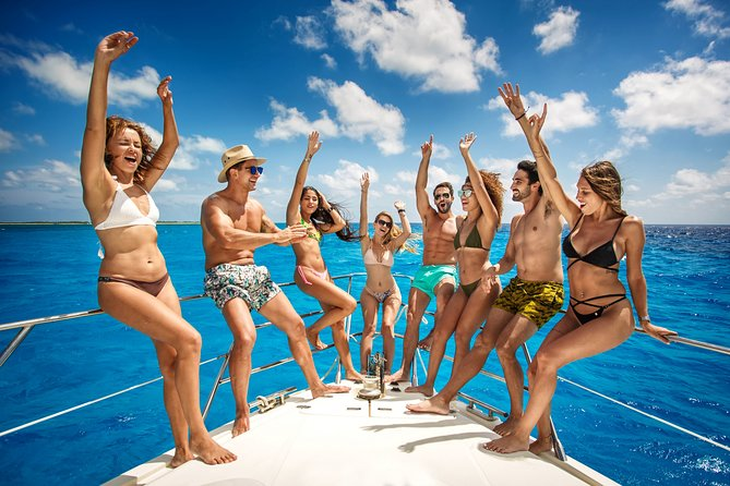 """4-Hour. Private 44"""" Motor Catamaran. Up to 30 people. DJ Evening Beat Experience"""