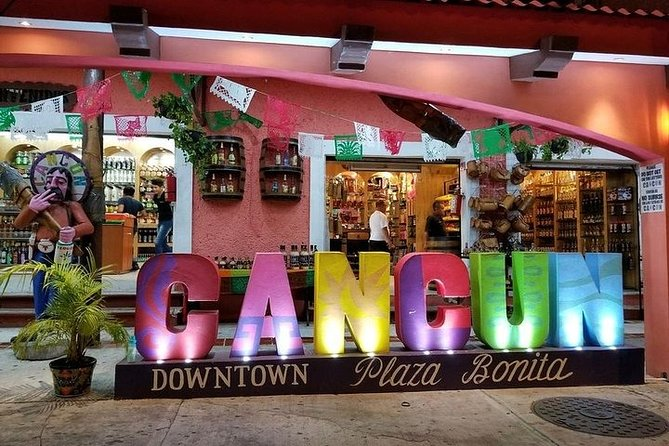 Discover the city, Cancun awaits for you!