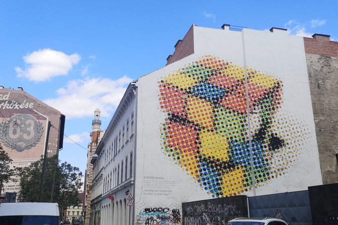 Street and Urban Art Virtual Guided Tour In Budapest