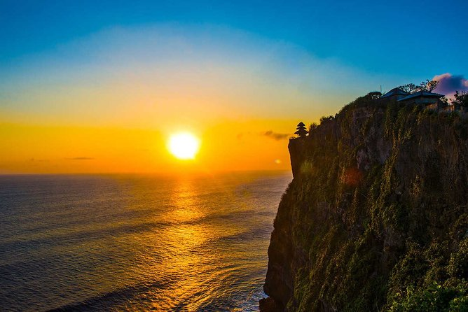 Private Tour: Highlights Uluwatu Temple & Southern Beaches Bali
