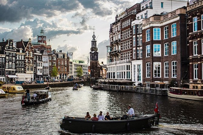Private City Sightseeing Tour in Amsterdam with a Local Guide