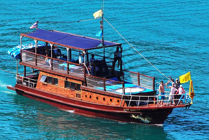 Private Full-Day Blue Dragon Yacht to Angthong National Marine Park