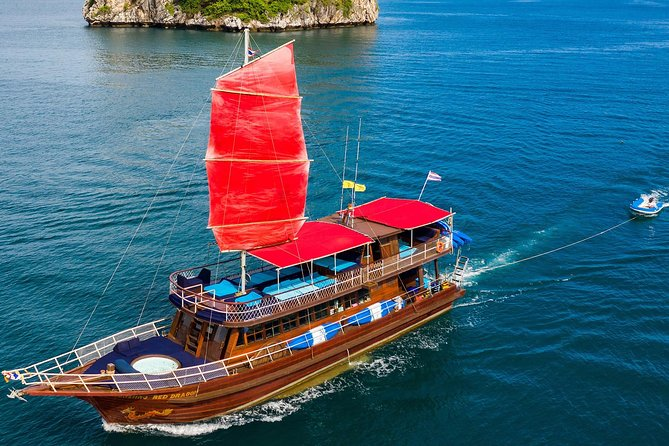 Private Full-Day Red Dragon Yacht to Angthong National Marine Park