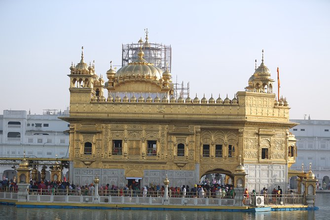 Amritsar : Half Day Tour with Punjabi Lunch