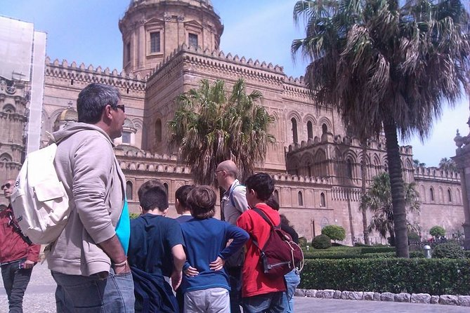 Private treasure hunt in the historic center of Palermo