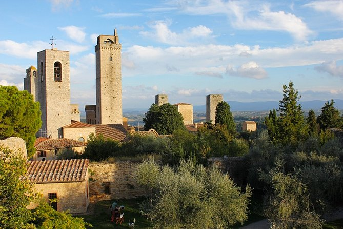 Visit of San Gimignano with local expert guide