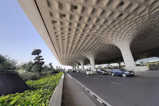 Mumbai : Hotel / Airport transfers to and from the city