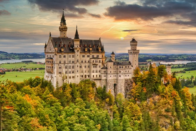 Private Tour to Neuschwanstein and more for groups.