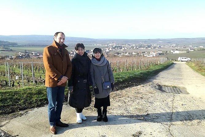 Vineyard Walking Tour & 2 Champagnes Tasting