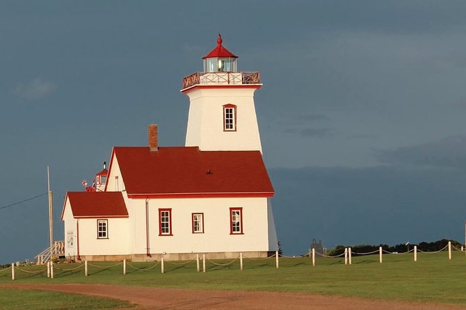 Private Half-Day Tour of Lighthouses and Winery