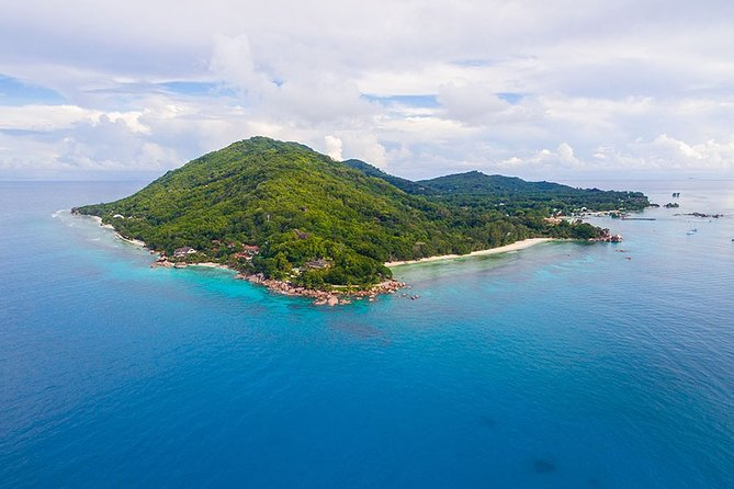 Private Full-Day boat tour of La Digue and snorkeling in Coco Island