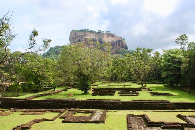 2 Days Tour to Sigiriya, Dambulla and Kandy