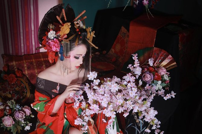 Oiran Private Experience and Photoshoot in Niigata