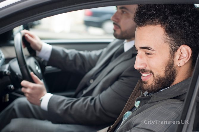 London Luton Airport Arrival Private Transfer-Airport to Docklands Accommodation