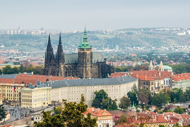 Small-Group Tour of Prague Castle with Visit to Interiors