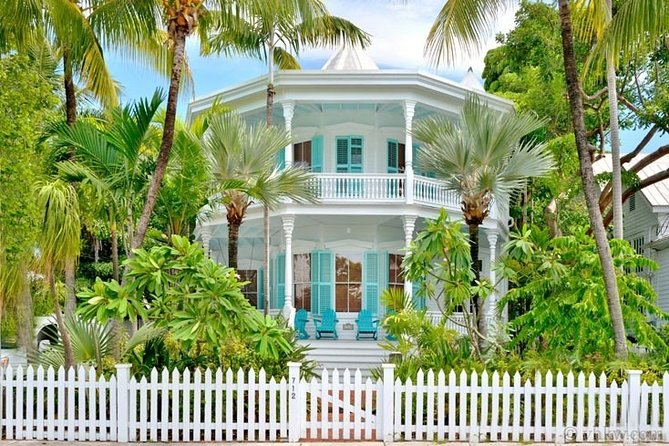 Key West Historic Homes and Island History - Small Group Walking Tour