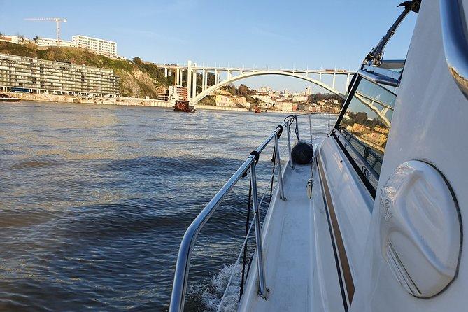 Private Yacht Cruise: Porto - Curva da Lomba - Porto