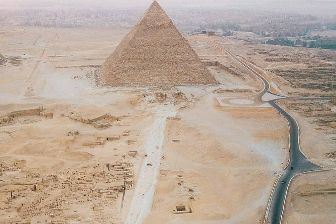 Tour to Giza Pyramids and Sphinx