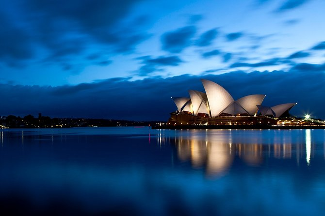 Sydney Airport Transfers : Sydney Airport SYD to Sydney City in Luxury Van