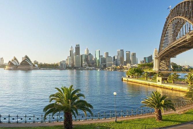 Sydney Airport Transfers : Sydney City to Sydney Airport SYD in Luxury Van
