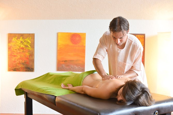 Back- Foot Massage in the City Center of Salzburg