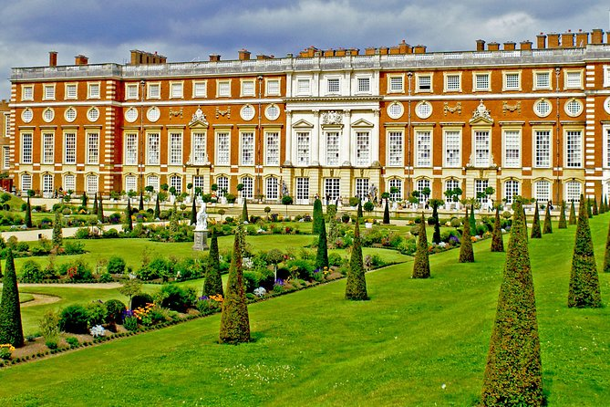 Windsor Castle & Hampton Court Palace, Private Tour Including entry pass