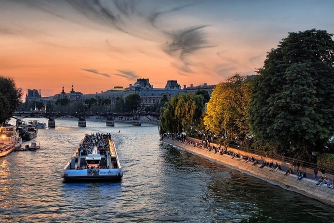 Bateaux Mouches - The Sparkling Cruise