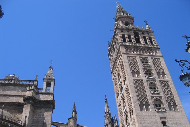 Private walking tour: discovering Seville with family or friends