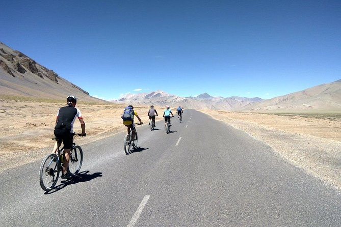 9-day Private Cycling Tour Manali to Leh Highway