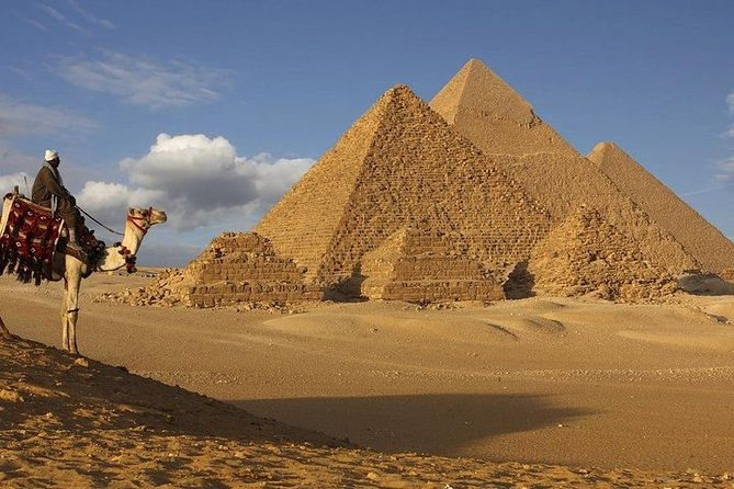 Private Full-Day Tour of Dahshur and Giza through Memphis