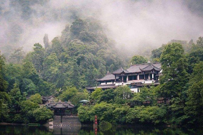 Private Qingcheng Mountatin and Dujiangyan Irrigation System Tour from Tianjin