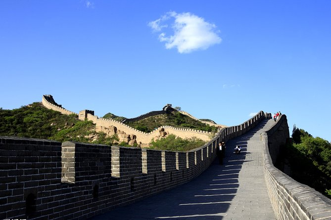 All-inclusive Private Day Tour to Longqingxia Gorge and Badaling Great Wall