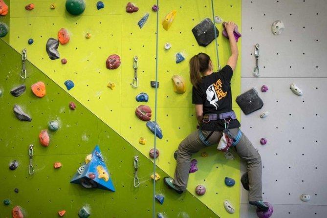 Private Indoor Climbing Lesson in Cortina d'Ampezzo