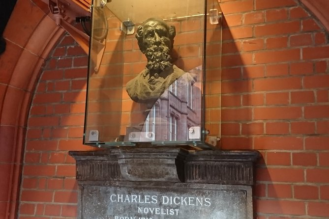 Charles Dickens Old London - A Private Tour