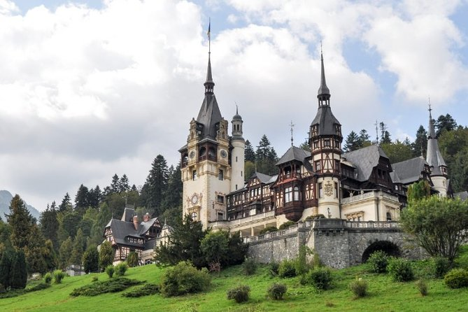 Private day trip to visit Peles Castle & Dracula Castle