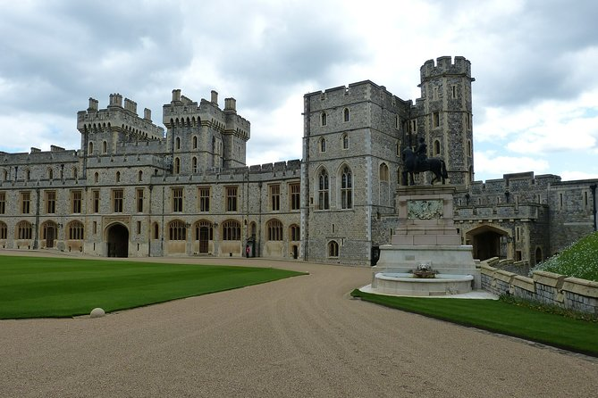 Layover Royal Windsor Private Tour from London Heathrow Airport