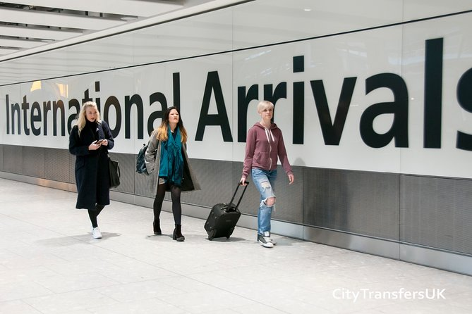Private Southend Arrival Transfer - Airport to Hotel / Accommodation