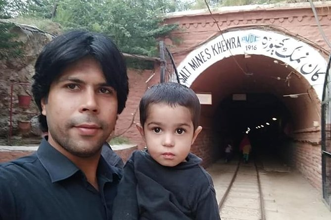From Islamabad: Full Day Guided Khewra Salt Mine & Kallar Kahar Tour