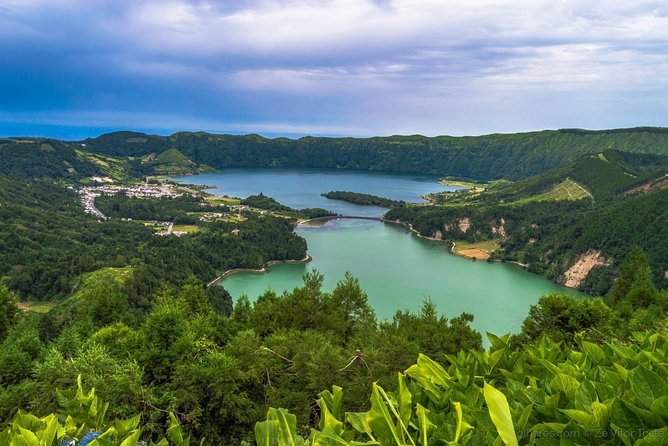 Full Day São Miguel Western & Central Tour with Picnic