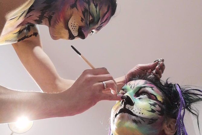 Professional makeup, face painting and special effects workshops.
