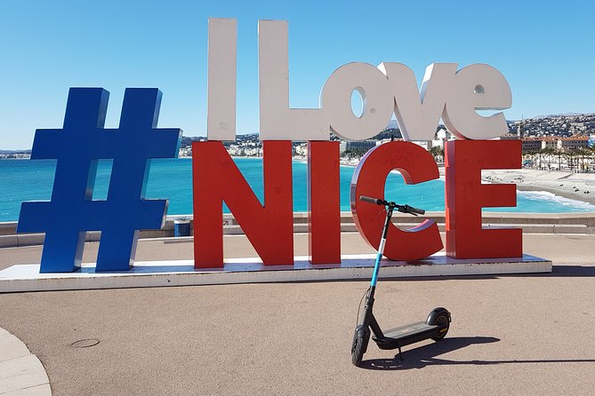 Cannes Electric scooter rental 4H - CAT B